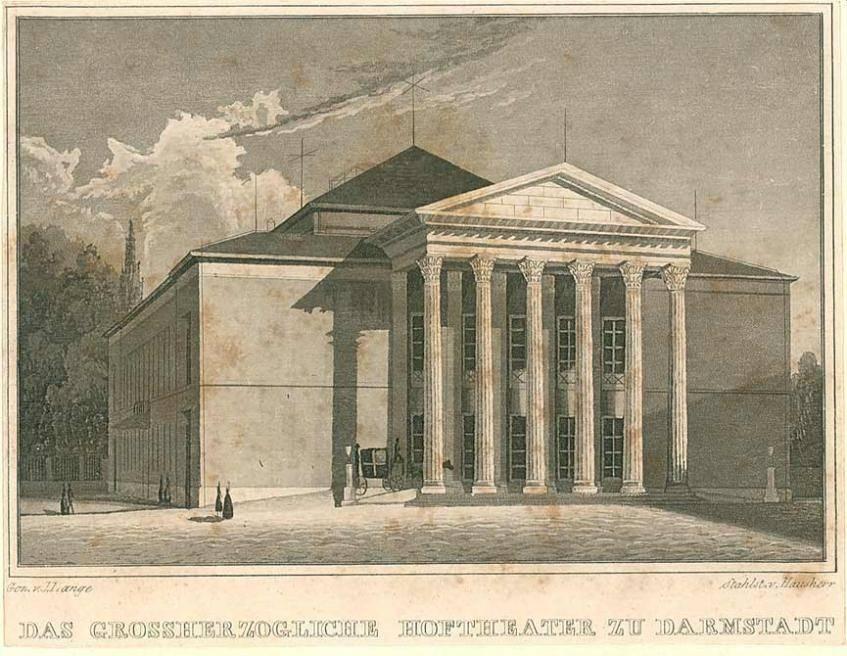 """""""Vorderansicht des Darmstädter Hoftheaters"""", Lange, Julius (Zeichner); Hausherr (Stecher), Stahlstich, um 1830-1840, Darmstadt, Hessisches Landesarchiv - Staatsarchiv Darmstadt (CC BY 4.0 International)"""
